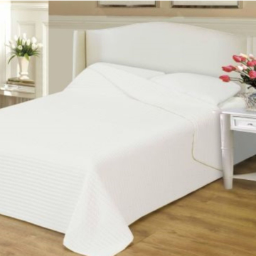 Naturtex CLARA fehér ágytakaró csíkos steppeléssel 235x250 cm